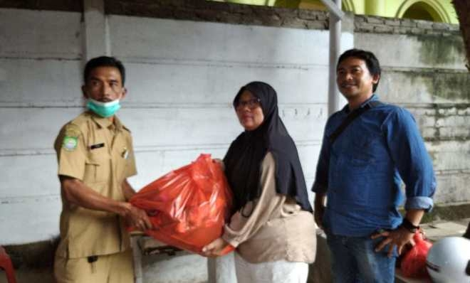 Pemkot Tangerang Salurkan Bantuan Sembako Ke Lembaga Media JTR